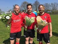 Drie speler zaterdag 1 vieren zilveren jubileum bij de club